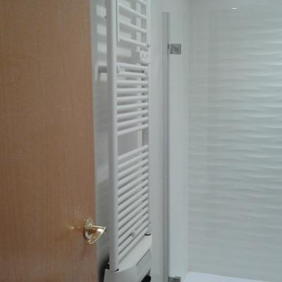 Radiador seca toallas