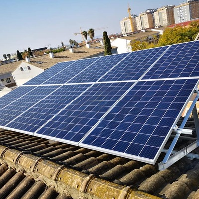 Paneles solares en vivienda unifamiliar