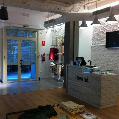 Suelo Microcemento hall tienda Lavand
