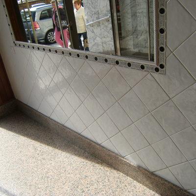 Remate  Portal en comunidad propietarios Oviedo.