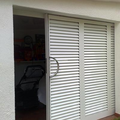 Presupuesto puerta garaje aluminio en a coru a online for Puertas venecianas