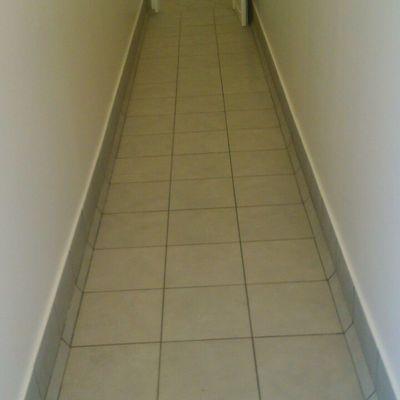 pasillo de acceso a estancias