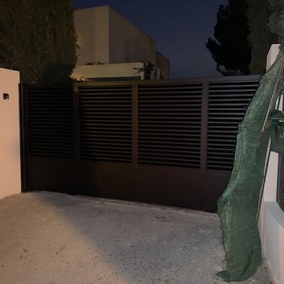 Puerta de lamas pintura forja