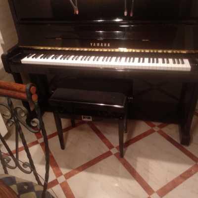 El mismo piano antes de comenzar