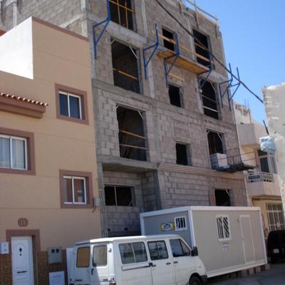8 viviendas en vecindario