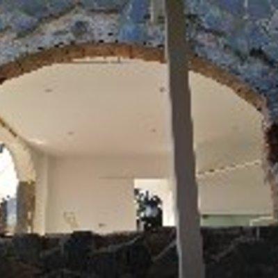 Cerramiento ventana y remate piedra