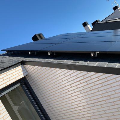 Autoconsumo fotovoltaico con compensación de excedentes.