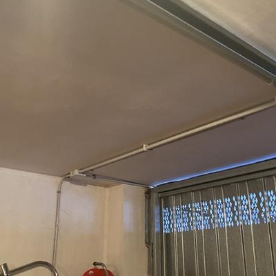 Instalación eléctrica para motor de puerta de garaje