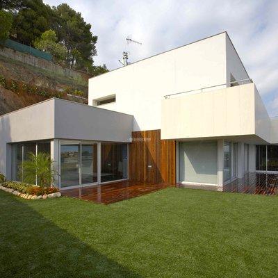 Vista exterior casa aislada