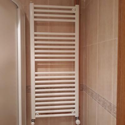 Toallero radiador de agua para baño