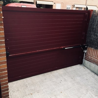 Puerta abatible de 1 hoja