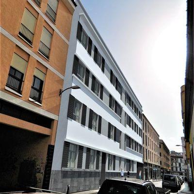 Edificio de 26 Viviendas y Garajes