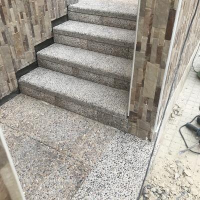 Escaleras baldosa