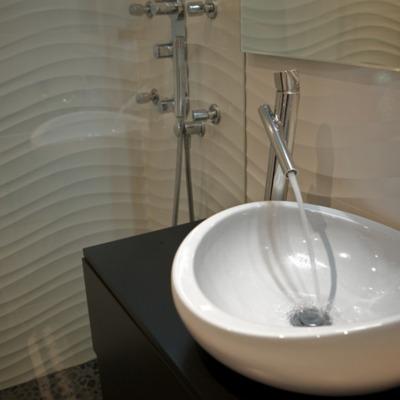 Detalle lavabo de sobreponer