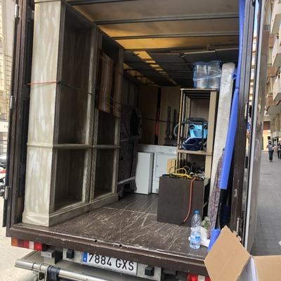 Camión medio cargado