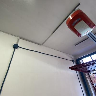Instalación eléctrica para motor puerta