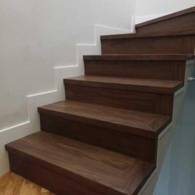 En otro lado de la escalera