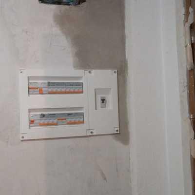 Reforma integral electricidad en calle Uruguay