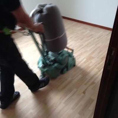 acuchillado de suelo de habitacion