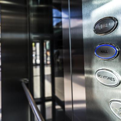 ascensor 10