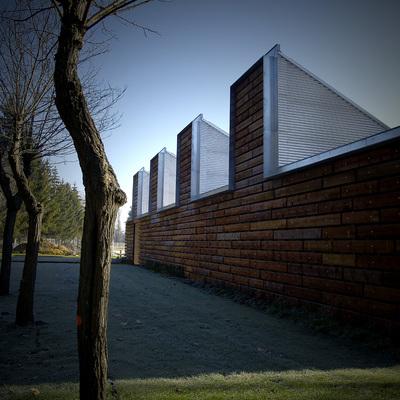 Edificio Bioclimático de Instalaciones en las Piscinas de Gamarra