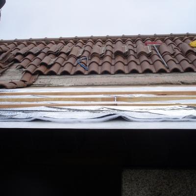 Aisalr tejado y colocación de teja nueva