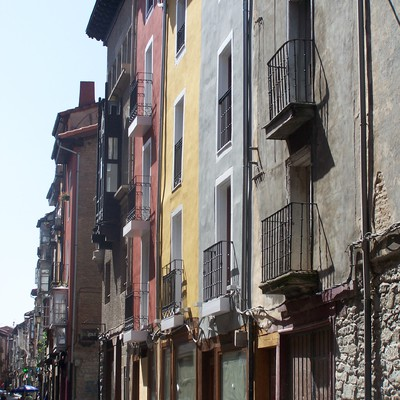 Albergue juvenil y peregrinos en Calle Cuchillería, Vitoria