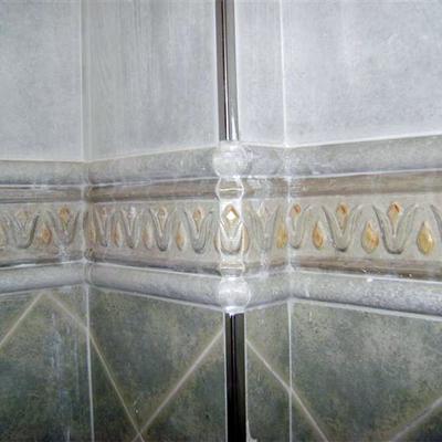 alicatado baño detalle esquina