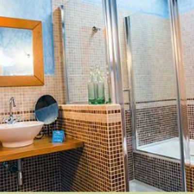 plato de ducha y bañera de hidromasaje