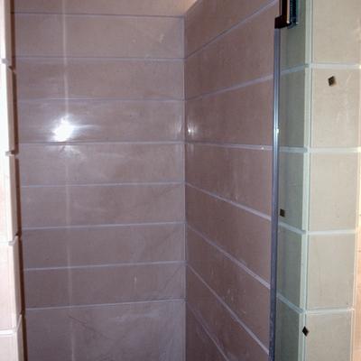 Aplacado de paredes en baño