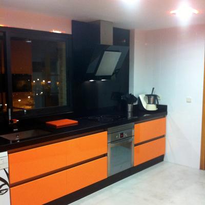 Aplicación microcemento en suelo cocina