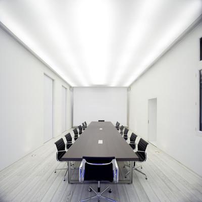 Sala de juntas en oficinas Arena Media en Madrid