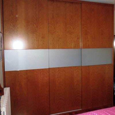 armario con puertas correderas