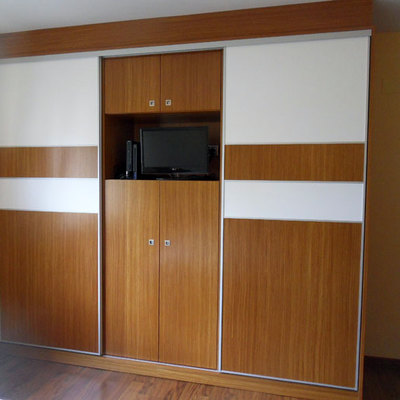 Hacer armario con puertas correderas precio y for Construir puerta corredera