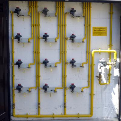 Armario de gas natural para 12 viviendas Santullan