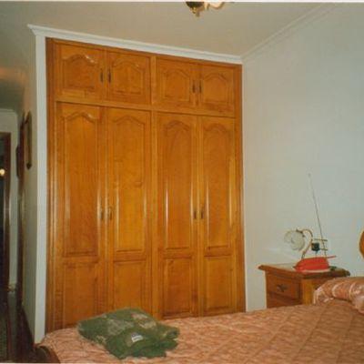 Armario dormitorio madera