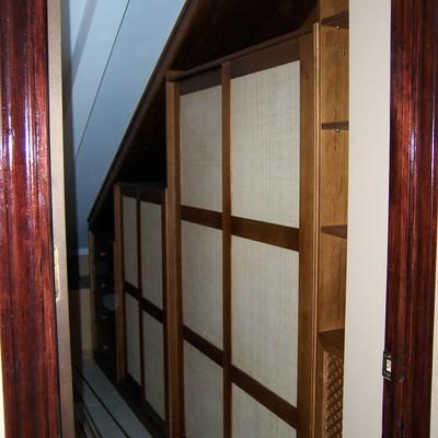 armario en zona bajo escalera