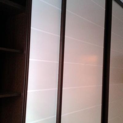 armario puerta coredera  wenge y blanco
