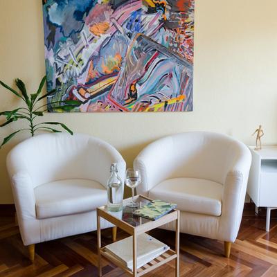 Decoración de salón con elección de arte