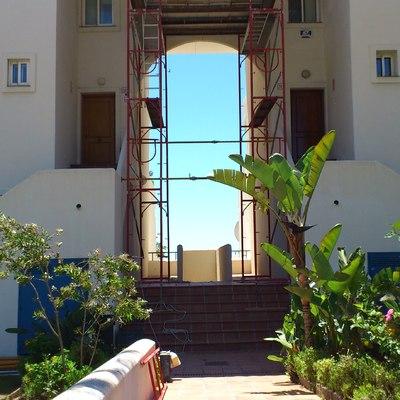 Arreglo de fachada en Bermuda Beach