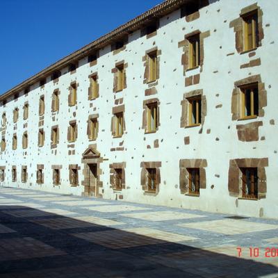 Ayto. de Ezcaraya (La Rioja), ventanas de madera