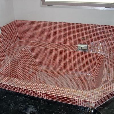 Bañera de gresite.