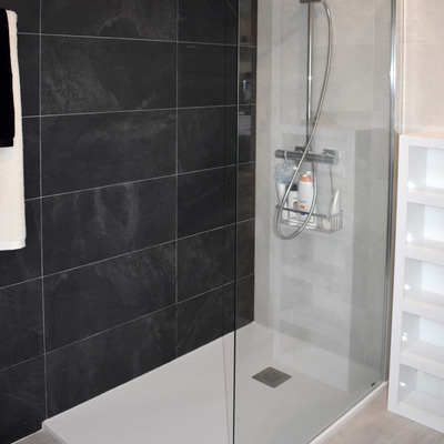 Baño en negro y blanco