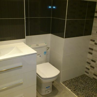 Baño c/ Sierra Bermeja