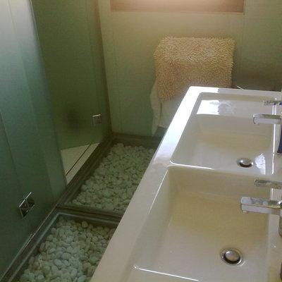 baño cristal en suelo