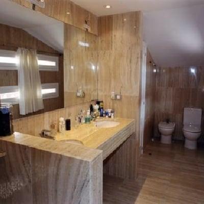 baño de marmol