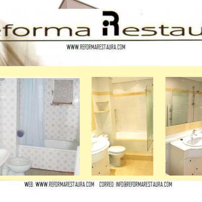 baño en marmol blanco y amarillo