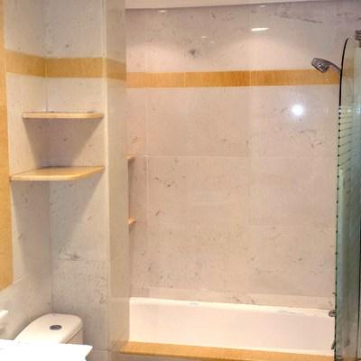 baño marmol blanco