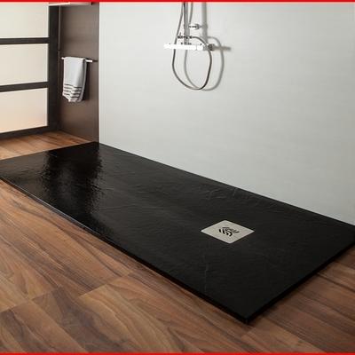 Plato de ducha sobre suelo de madera