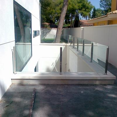 barandillas de acero y vidrio seguridad al aire